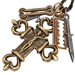 Collier cuir avec crucifix, os, rasoir, dague et couteau