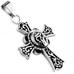 Pendentif croix celtique décoréee en acier avec crane