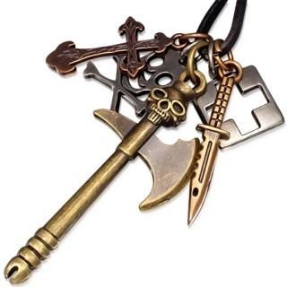 Collier avec hache, couteau, croix et tête de mort