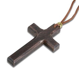 Collier croix de bois marron avec cordon