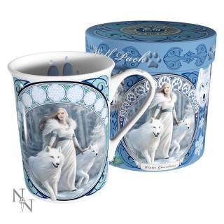 """Mug Tasse fantaisie Anne Stokes avec jeune femme et loups blanc """"Winter Guardians"""""""