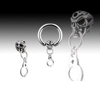 Piercing gothique anneau et crane