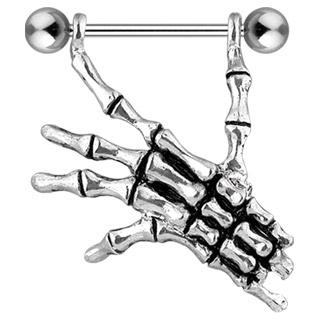 Piercing gothique téton main squelette
