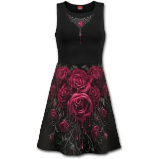 Robe gothique avec coeur de pierre et roses ensanglantés