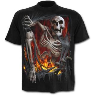 T-shirt gothique homme noir à effet squelette sortant du vetement en flamme